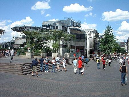 800px-Forum_Halles_Paris_01