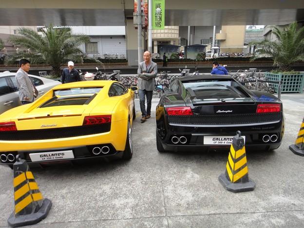 ランボルギーニが二台