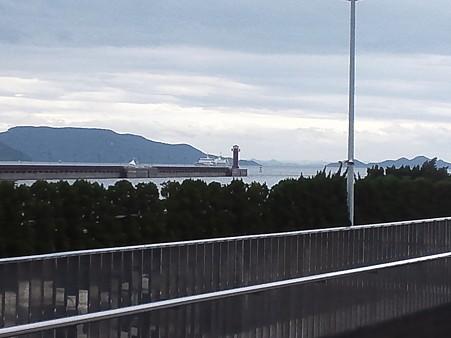 高松港の近くにある灯台