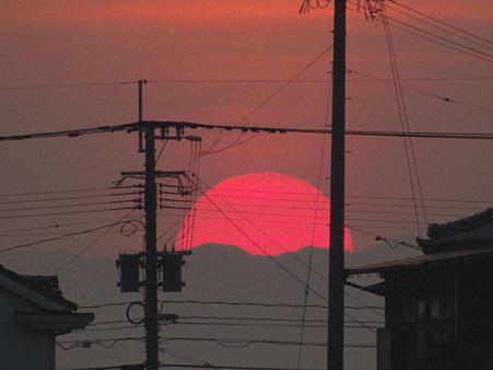 故郷の紅色の夕陽
