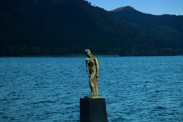 田沢湖秋景3