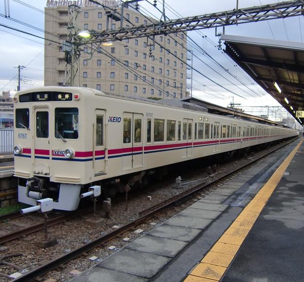 京王6000系(6717F+6413F) 各駅停車新宿行き
