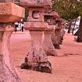 Photos: 宮島の灯篭たち。。。
